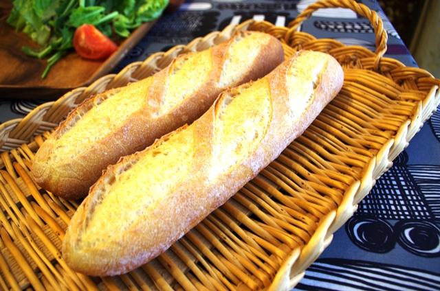 柔らかなフランスパン_e0167593_0493457.jpg