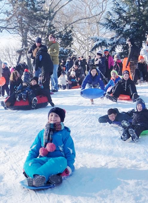 セントラルパークで雪ソリ遊びするならココ、Cedar Hill_b0007805_22251298.jpg