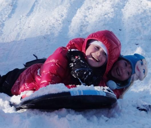 セントラルパークで雪ソリ遊びするならココ、Cedar Hill_b0007805_22281589.jpg