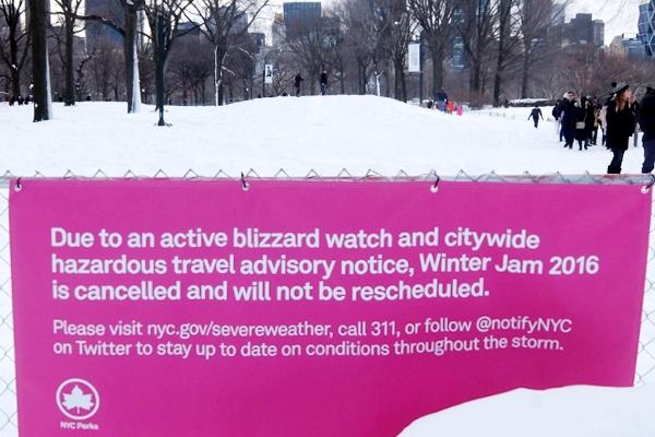 大雪翌日のNY、白銀のセントラルパークへ!!!_b0007805_554291.jpg
