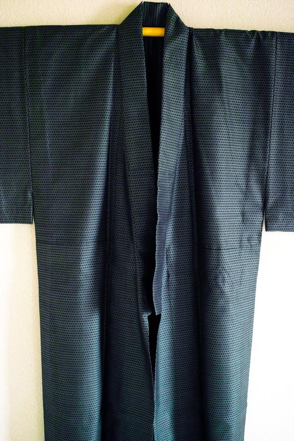 シルクウール・ちょっとツヤのある普段着~男着物・3年目の着物道楽 その15~_c0223825_01114444.jpg