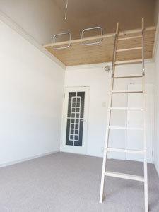 桜町賃貸マンション クロス張替完了 入居募集開始_e0251265_18080829.jpg