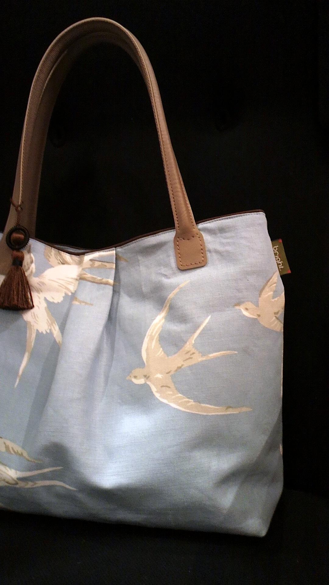 つばめ柄の布バッグ『サンダーソン』_c0157866_13172024.jpg