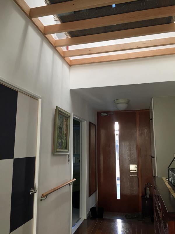 大和の家-透明な床-_a0147436_15283435.jpg