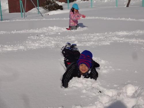 雪あそび楽しいよ!_d0166047_14454168.jpg