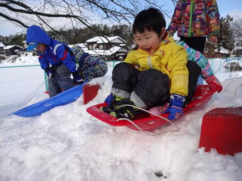 雪あそび楽しいよ!_d0166047_14474320.jpg
