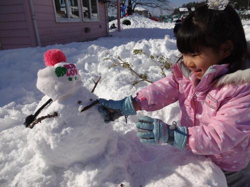 雪あそび楽しいよ!_d0166047_14481490.jpg