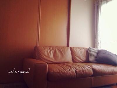 新居リビングにウニコのソファを追加購入。と、昨日の晩ごはんは鶏手羽塩焼き!_a0341288_17260607.jpg