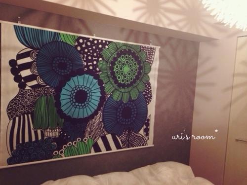 マリメッコのタペストリーを寝室に飾りました!_a0341288_17265659.jpg