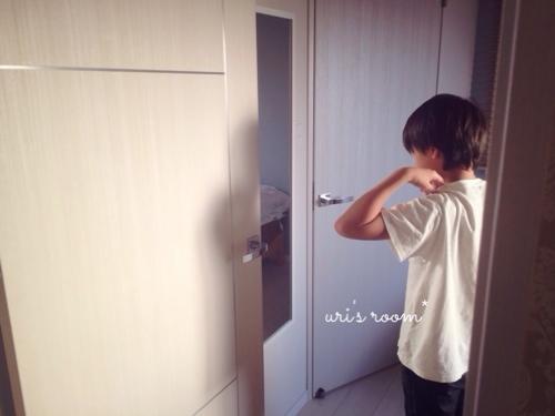 息子の部屋にミラーを設置。小学生男子も身だしなみが大切(´∀`)_a0341288_17275848.jpg