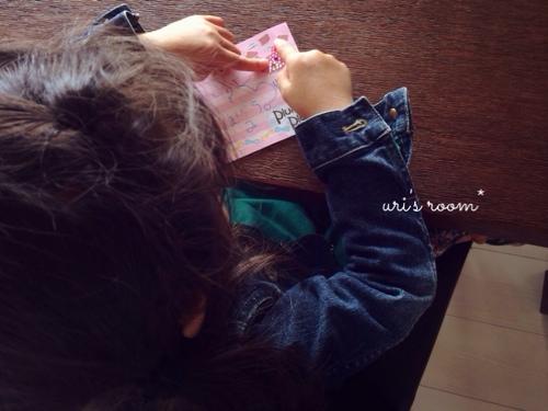 子供が作ったシールにほっこり(´∀`)それからベランダピクニック!_a0341288_17280126.jpg