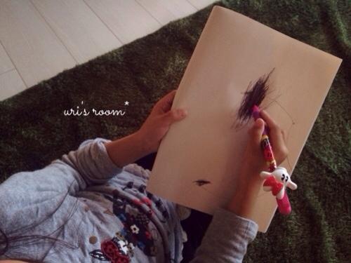 新しい加湿器とやっと届いた足裏シート。そして娘の描いた絵がホラー。_a0341288_17290828.jpg