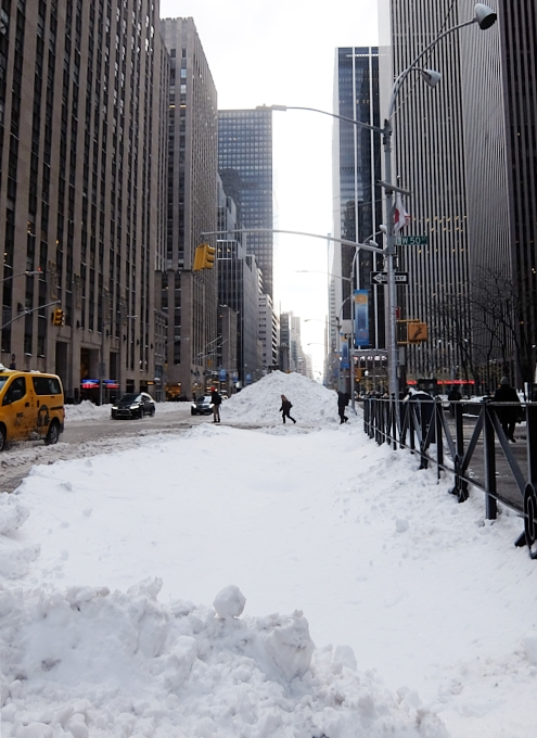 大雪翌日のニューヨーク、ミッドタウンの様子_b0007805_23554929.jpg