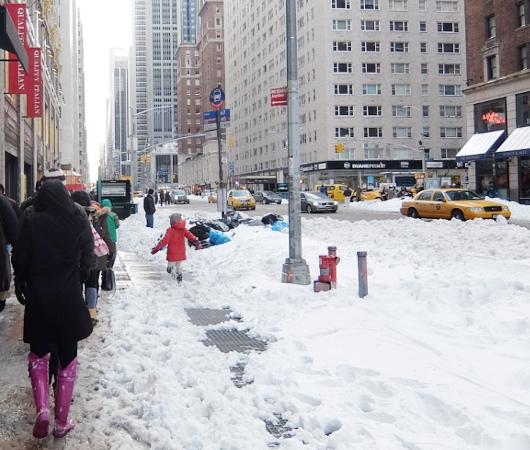 大雪翌日のニューヨーク、ミッドタウンの様子_b0007805_23571320.jpg