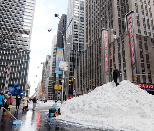 大雪翌日のニューヨーク、ミッドタウンの様子_b0007805_23573680.jpg