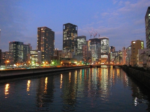川面の夜景_d0336530_12060660.jpg