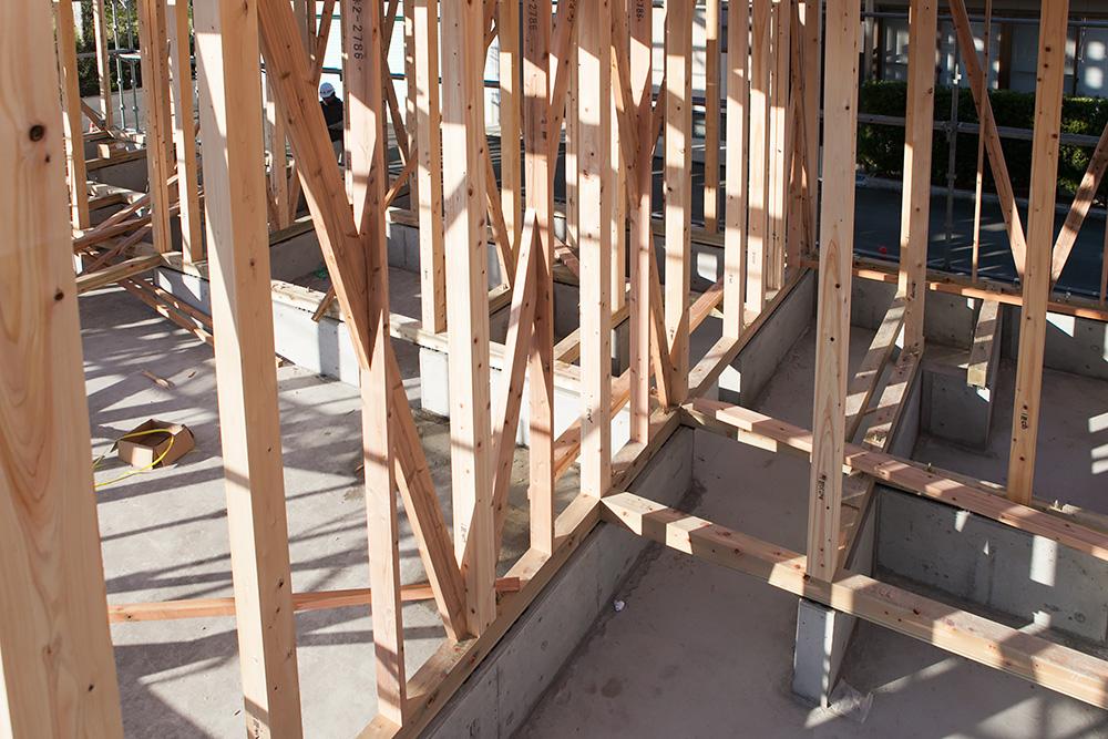 木造2階建てモダン屋根の家─1─_a0163962_1642261.jpg