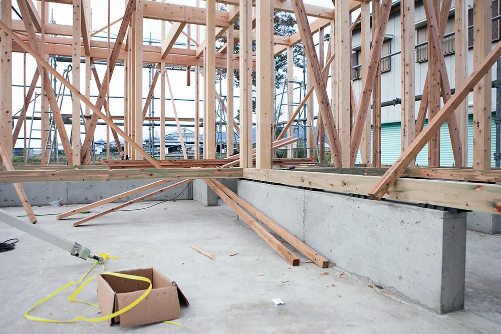 木造2階建てモダン屋根の家─1─_a0163962_1644341.jpg