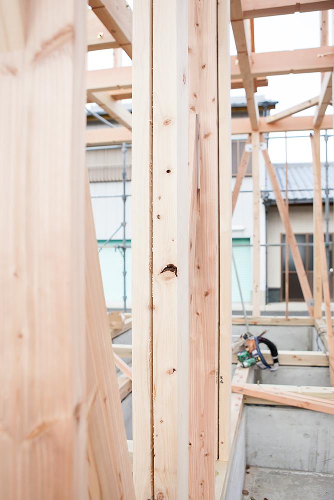 木造2階建てモダン屋根の家─1─_a0163962_1644467.jpg