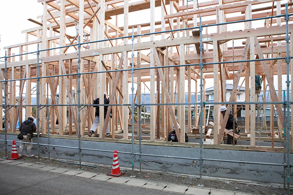 木造2階建てモダン屋根の家─1─_a0163962_1645673.jpg