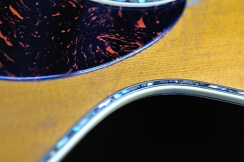 マーチンギターのバインデング剥がれ_c0330563_11594815.jpg