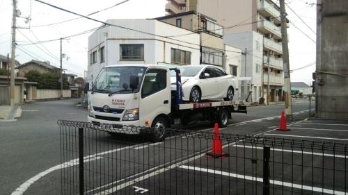 新型プリウス納車でした~!_c0109891_08162026.jpg