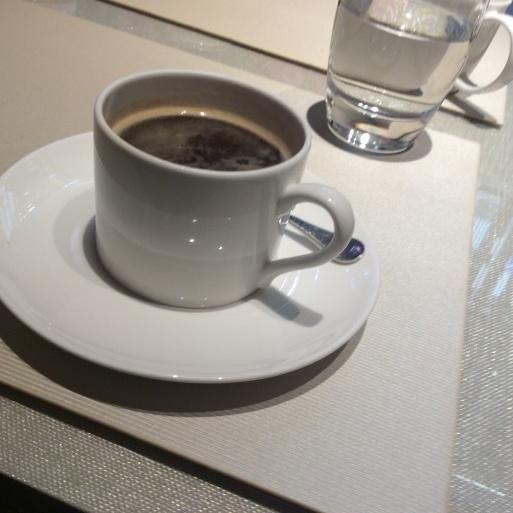 表参道のARMANI  CAFFEは穴場です。_b0210699_22393381.jpg