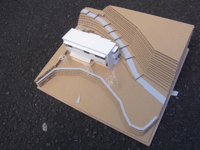 新しい建物は、船_a0122098_12341285.jpg