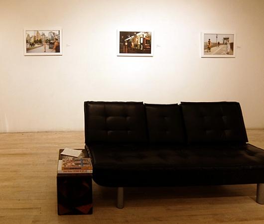 ニューヨークの街角でのフルヌードのセルフ・ポートレート写真展、Nue York by Erica Simone_b0007805_6362368.jpg