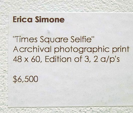 ニューヨークの街角でのフルヌードのセルフ・ポートレート写真展、Nue York by Erica Simone_b0007805_6375798.jpg