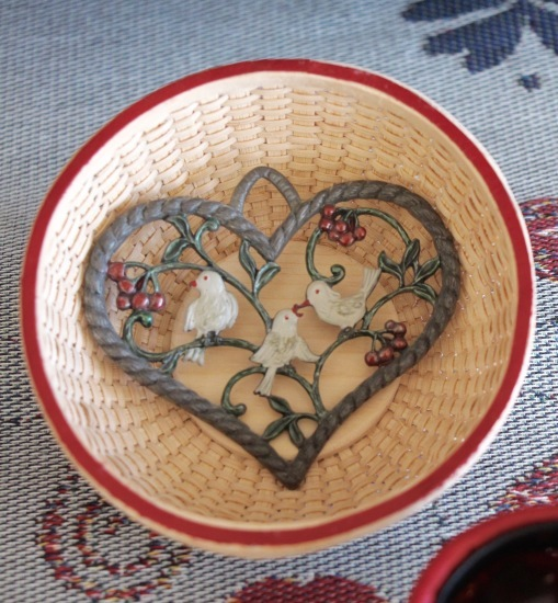 Heart Baskets for Valentine\'s Day_f0197215_10055720.jpg