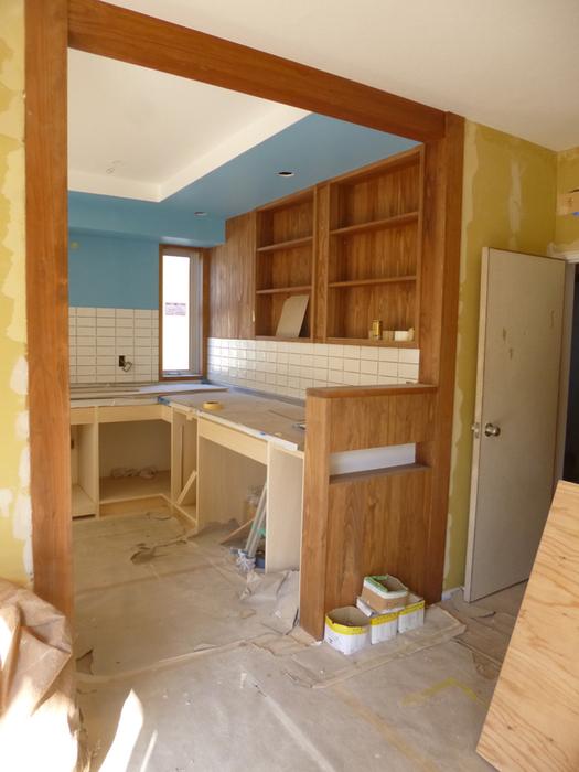 かもめ食堂のようなキッチンに_c0004024_1841574.jpg