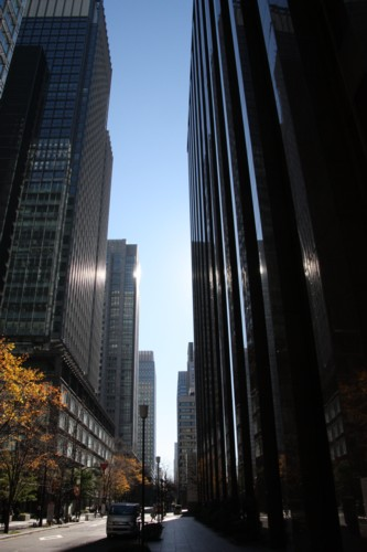 高層ビルは街を暗くする_f0055131_1231466.jpg