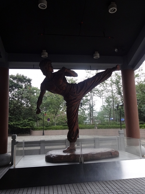 香港文化博物館への帰り道 _b0248150_09371870.jpg