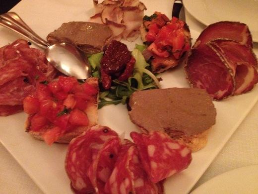 フィレンツェ中心街でいただけるワイナリーのレストラン FRESCOBALDI♪_a0136671_548361.jpg