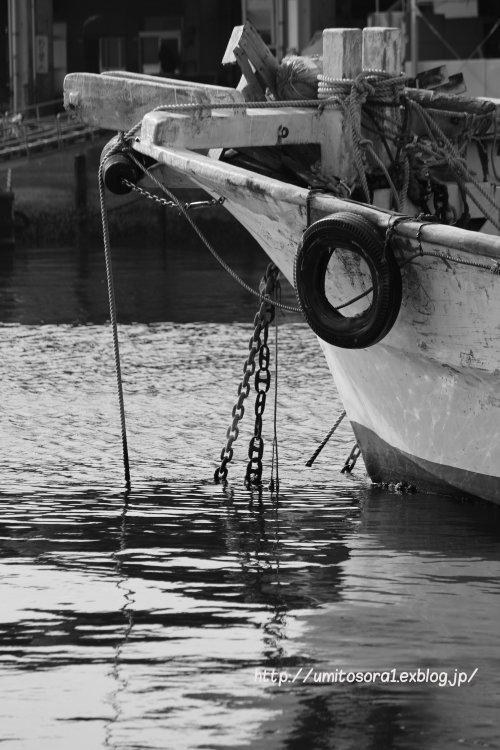 モノクロ漁港_b0324291_18455145.jpg