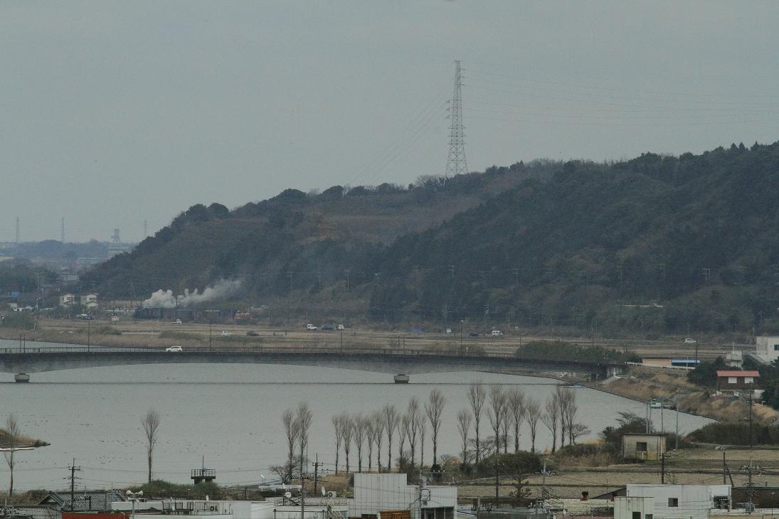川の向こうを汽車が行く - 2016年冬・成田線 -   _b0190710_22365063.jpg
