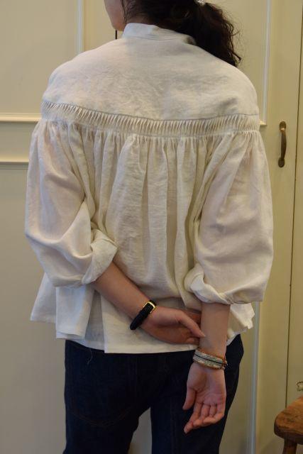 Scye の リネンタックシャツ  '16SS  ・ ・ ・_b0110586_15243312.jpg
