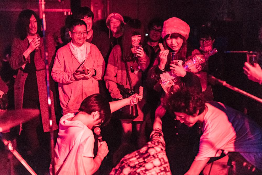 2015年12月12日のベースメントバー 【ベルノバ・ソコラノグループ・Salsa・ゲスバンド・ちくわ】_f0144394_17515210.jpg