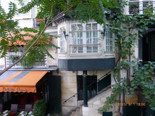 Paris Walking Guide という本_d0263859_12270344.jpg