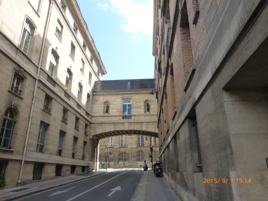 Paris Walking Guide という本_d0263859_12280204.jpg