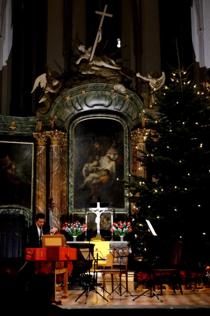 Marien教会にて (12/25)_c0180686_04081582.jpg
