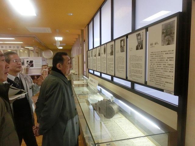 四国中央市(愛媛県)の「世界一効率的な製紙工場」と「紙のまち資料館」_f0141310_7365317.jpg