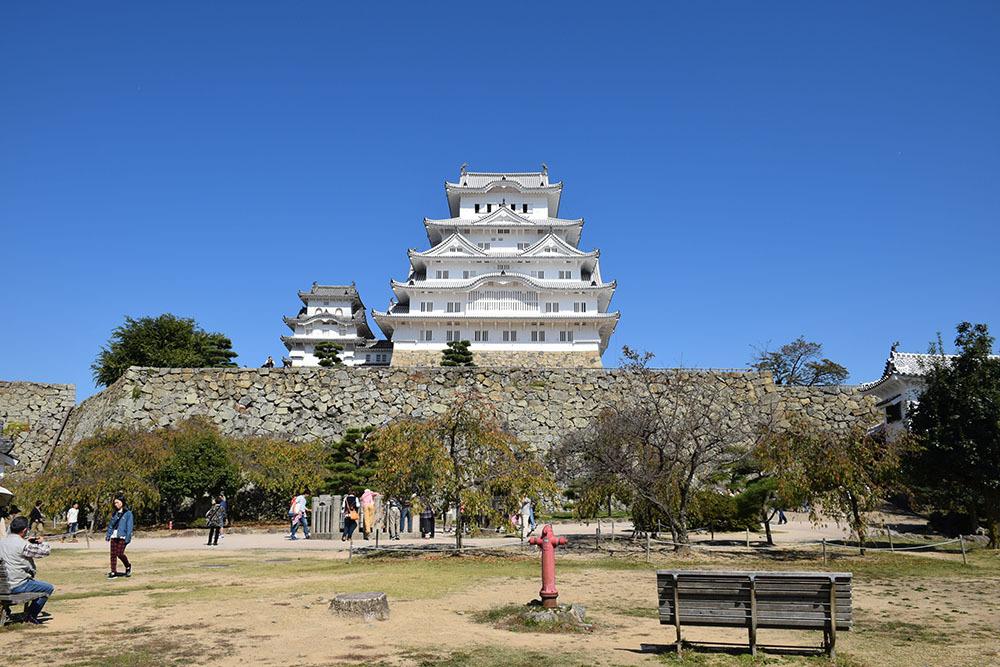 白鷺の天守閣がよみがえった姫路城を歩く。 その3 ~三国堀・二の丸・本丸~_e0158128_19102550.jpg