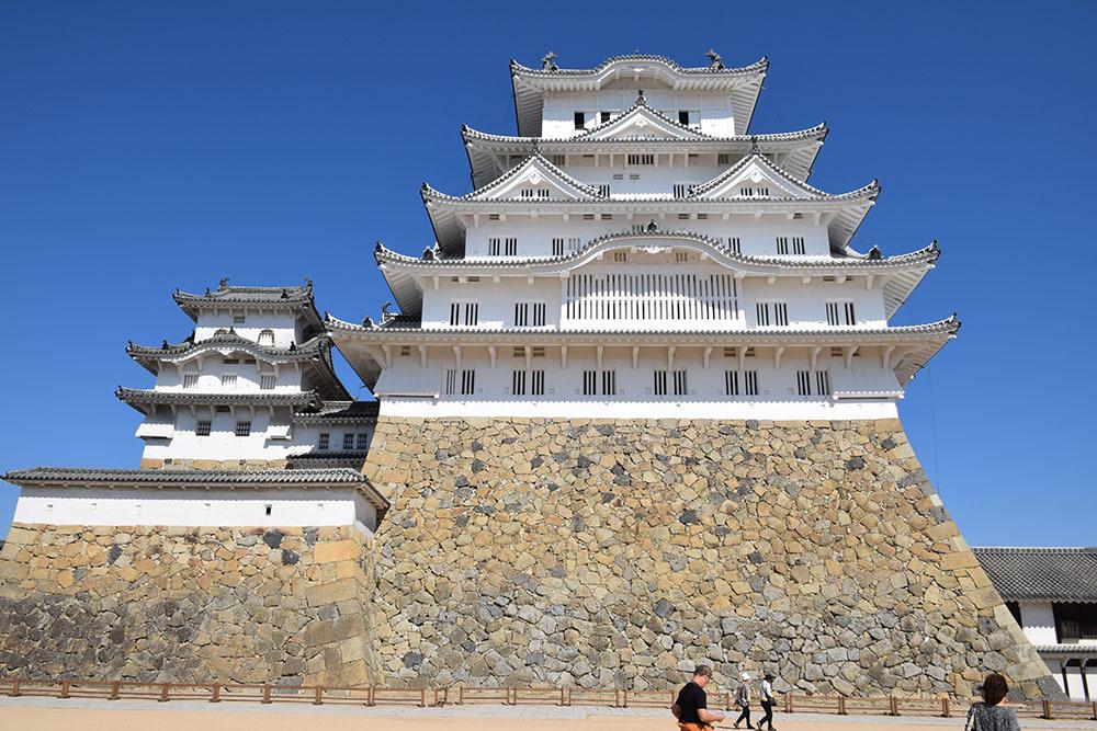 白鷺の天守閣がよみがえった姫路城を歩く。 その3 ~三国堀・二の丸・本丸~_e0158128_19164398.jpg