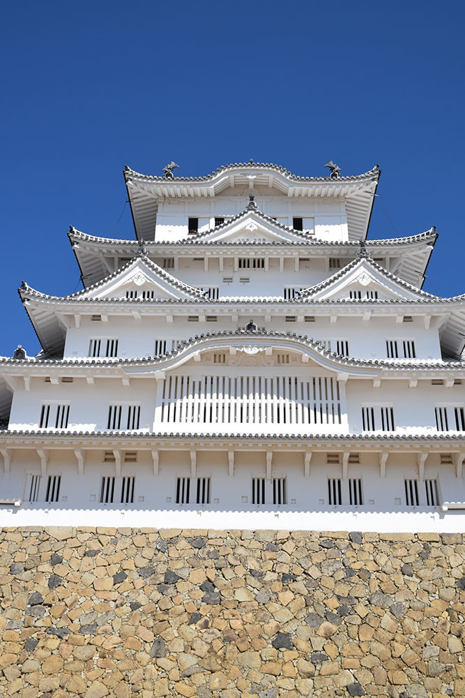白鷺の天守閣がよみがえった姫路城を歩く。 その3 ~三国堀・二の丸・本丸~_e0158128_19184435.jpg