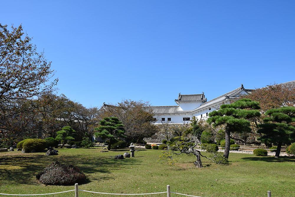 白鷺の天守閣がよみがえった姫路城を歩く。 その5 ~西の丸~_e0158128_19535497.jpg