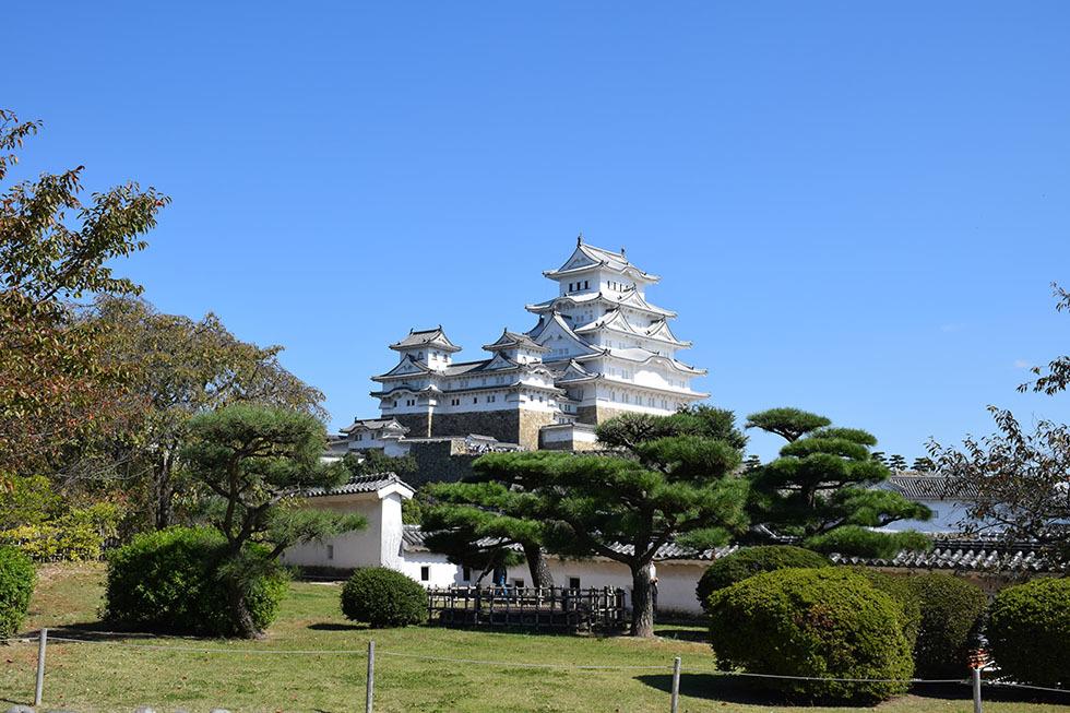 白鷺の天守閣がよみがえった姫路城を歩く。 その5 ~西の丸~_e0158128_19554570.jpg