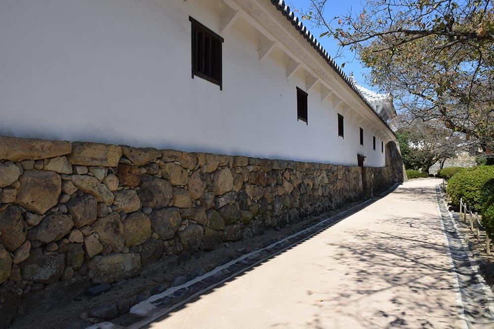 白鷺の天守閣がよみがえった姫路城を歩く。 その5 ~西の丸~_e0158128_20024827.jpg