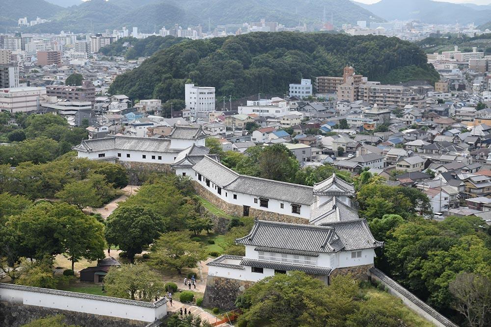白鷺の天守閣がよみがえった姫路城を歩く。 その5 ~西の丸~_e0158128_20042379.jpg